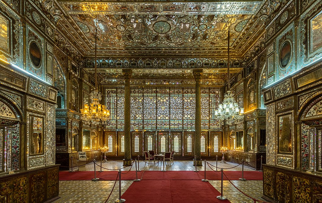 نمایی از تالار اصلی عمارت بادگیر در کاخ گلستان