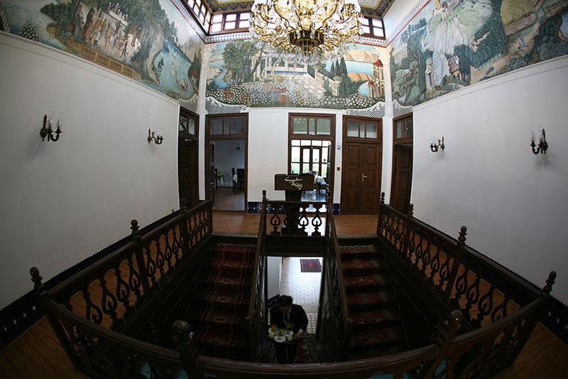 راه پله درونی عمارت شاپور