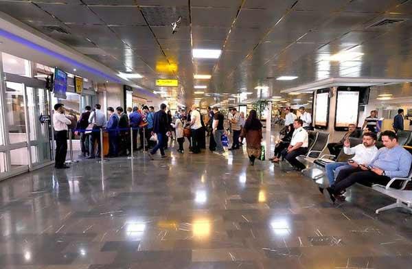 سالن انتظار فرودگاه